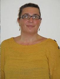 Adeline BELIN, responsable de la bibliothèque